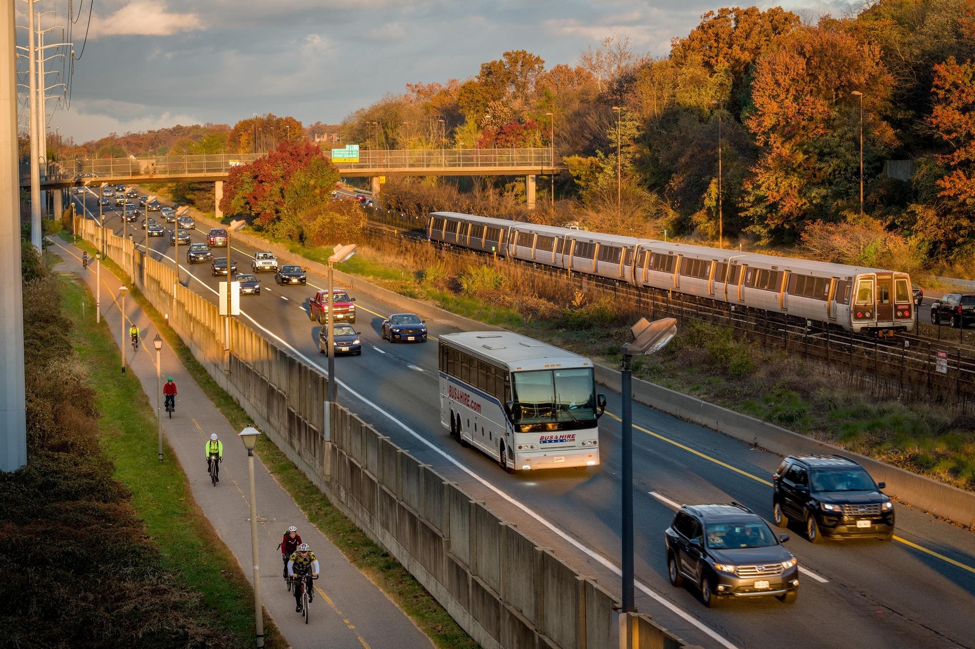 i-66-commuter-bus-metro